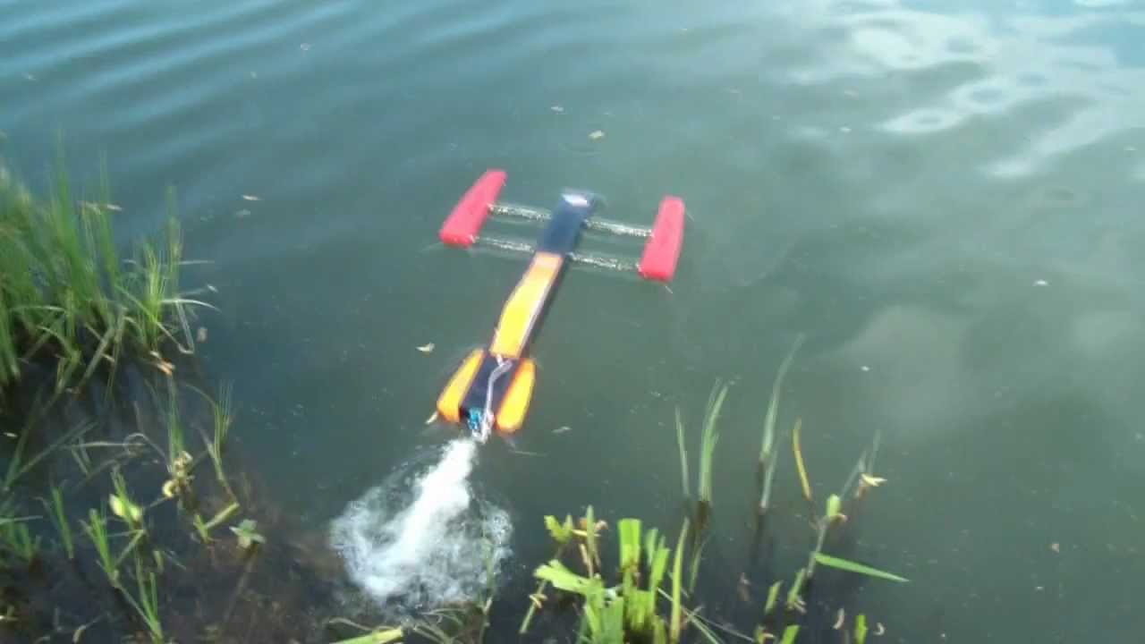 Outrigger rc 90 km/h. - YouTube