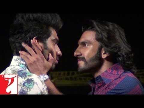 Howrah Bridge At Night - Capsule 14 - Gunday - Making Of The Film