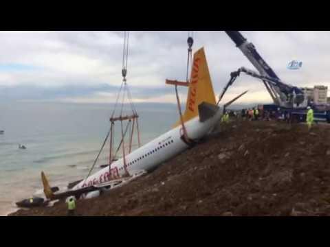 Halatlar Bağlandı: Uçağı Kaldırma Çalışmaları Sürüyor