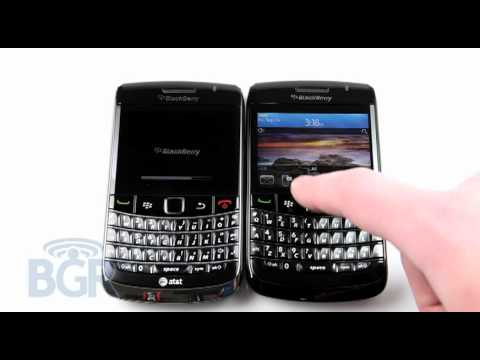 BlackBerry Bold 9700 vs BlackBerry 9780 boot up comparison