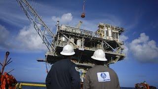 Texas Gas Plant Explosion  Anadarko gas refinery near Orla FIRE fight large explotion