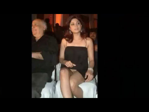 Hot Sexy Malfunction Of Katrina Kaif, Priyanka Chopra, Deepika Padukone, Sonakshi Sinha & More video