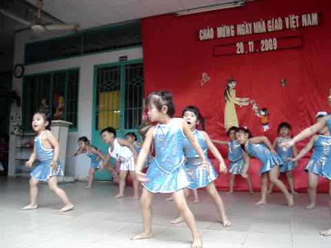 aerobic em la hoa hong nho.MPG