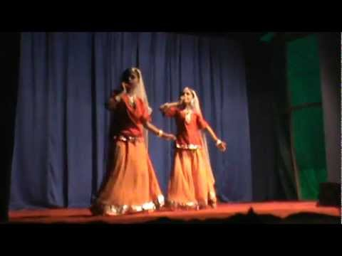 Falguni Pathak(meri Chunar Udd Udd Jaye)dance alungal Temple video