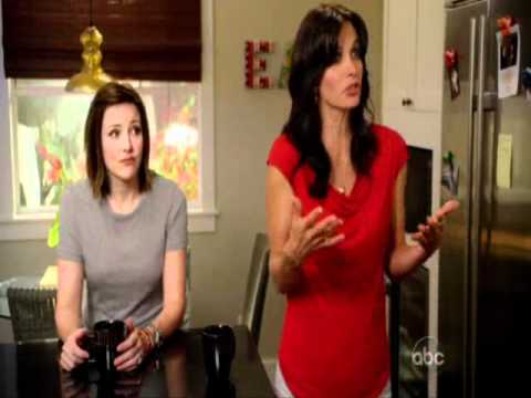 Cougar Town: Laurie jumping