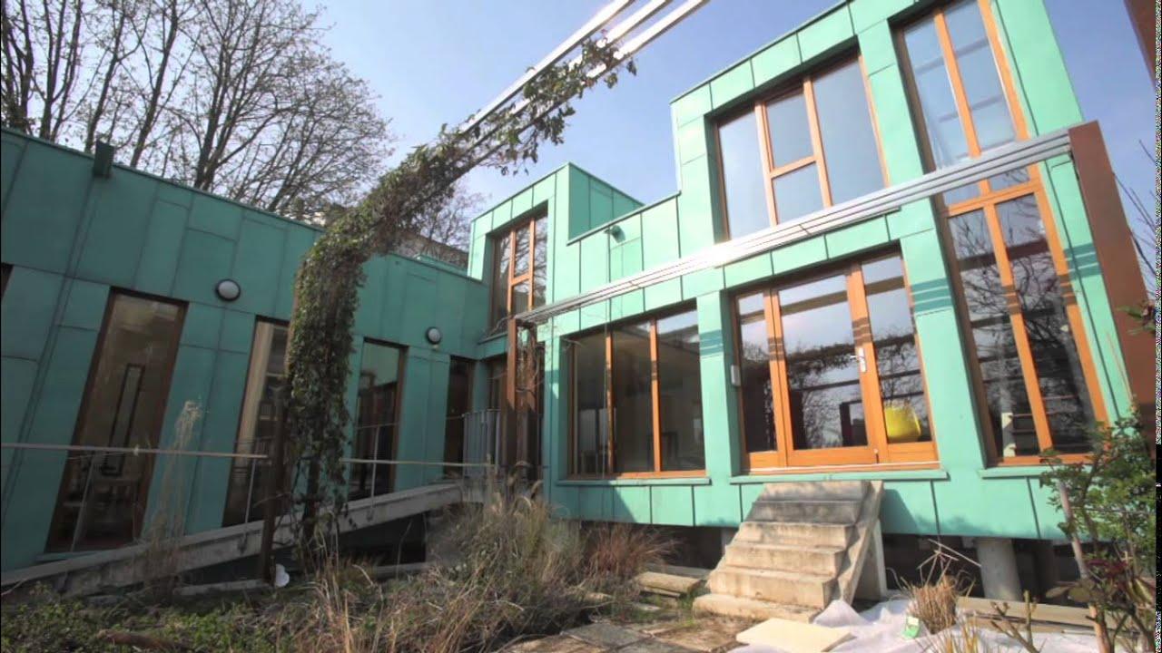 visite priv e d 39 une maison d 39 architecte en cuivre youtube. Black Bedroom Furniture Sets. Home Design Ideas