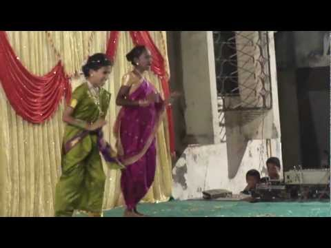 Pratik More Lavni Dance video