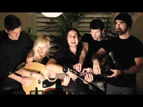 Somebody That I Used to Know - Walk off the Earth (Gotye - Cover...