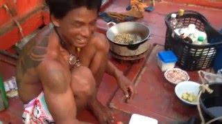 ชีวิตชาวเล อยู่กินบนเรือ 3 เดือนกลับบ้านครั้ง..เรืออวนปลาทูปราณบุรี.. live life in boat Fishman Thai