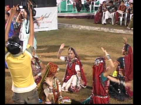 Gujarati Garba Song Navratri Song Live 2011 - Lions Club Kalol...