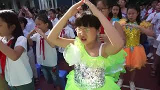 Gần 1500 học sinh Ban Mai hát; EM YÊU HOA HỒNG ( I LIKE ROSE)