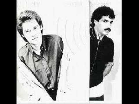 Daryl Hall & John Oates - Everytime You Go Away