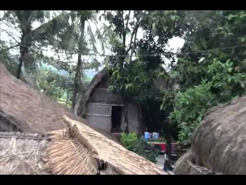 Sade Village - Desa Sade - Traditional Village - Lombok Island - Indonesia Travel Guide (Tourism)