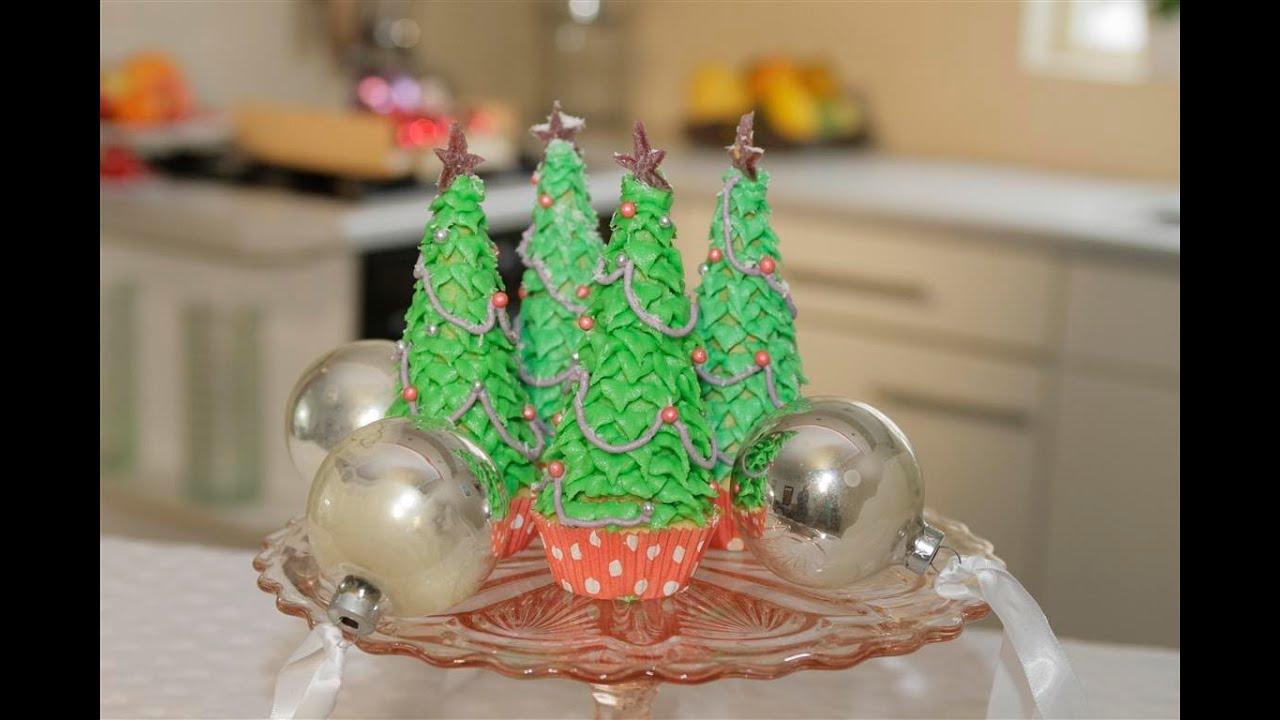 Kerstboom cupcake maken youtube - Versieren van een muur in ...