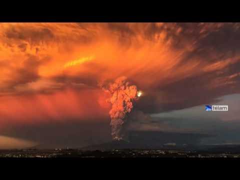 Cenizas del volcán Calbuco caen en Bariloche, Villa La Angostura y San Martín de los Andes