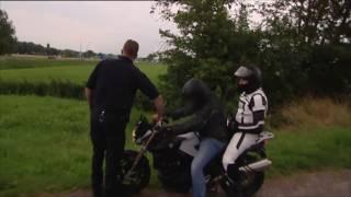Motorrijder wil niet stoppen voor de politie!   Wegmisbruikers 2016