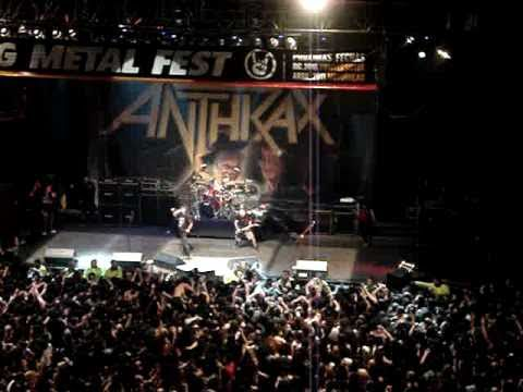 Anthrax indians) Wardance!!! ,chile 2010,we're The Best Crowd In The Fucking World!! video