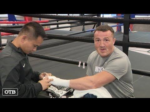 Боксёр Денис Лебедев провёл тренировку перед боем с Хизни Алтункая