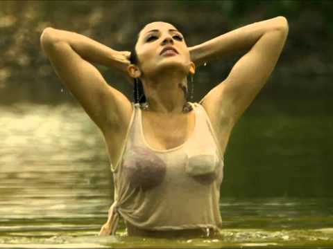 Badal Uthiya From The Movie: Matru Ki Bijlee Ka Mandola hq hd Singer: Rekha Bhardwaj video