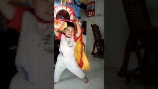 Nguyen truong thanh huy. Bé múa lân 10.1.2015