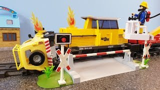 Fireman Sam Toys Playmobil Train Crash Fire Firefighter Sam Toy Fire Station Jupiter Phoenix Venus