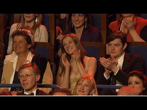 Sibel Kekilli Gewinnt Den Deutschen Filmpreis 2010 Für Die Fremde video