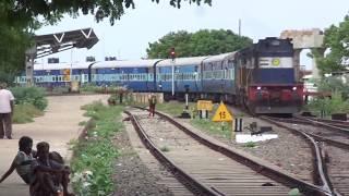 16187 Karaikkal - Ernakulam Express Entering into NAGAPATTINAM