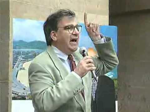 El asesinato de Ernest Lluch provocó una repulsa unánime de toda la sociedad catalana, española y vasca. El 3 de junio de 1999, durante la campaña de las ele...