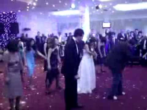 AZERI TOY michael jackson style(he is still alive).flv