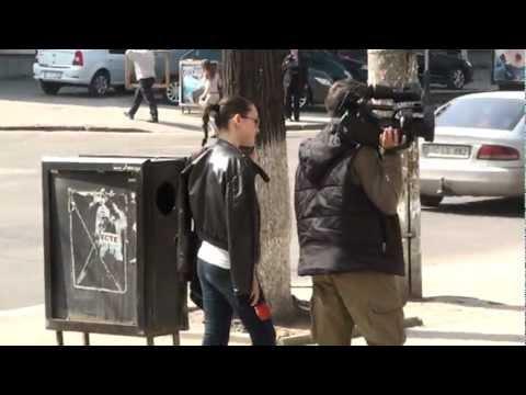 Cei de la NIT se tem să afişeze sigla în stradă