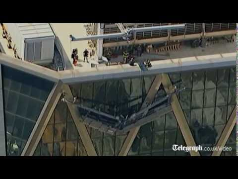 Window cleaners rescued from New York skyscraper