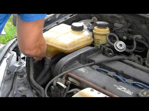 Ford Focus Coolant Reservoir Removal (Timing Belt Clip 2)
