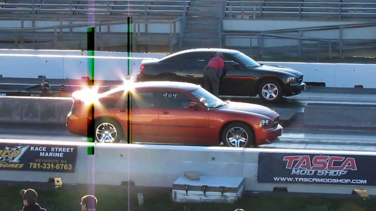 2006 Dodge Charger R T Vs 2010 Dodge Charger Sxt Youtube