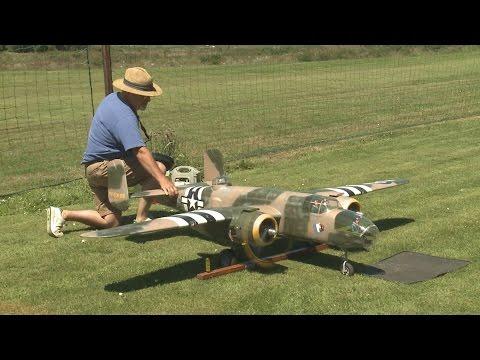 Crash Of Giant RC B 25 Model From Ziroli Plan - Maiden Flight Desaster
