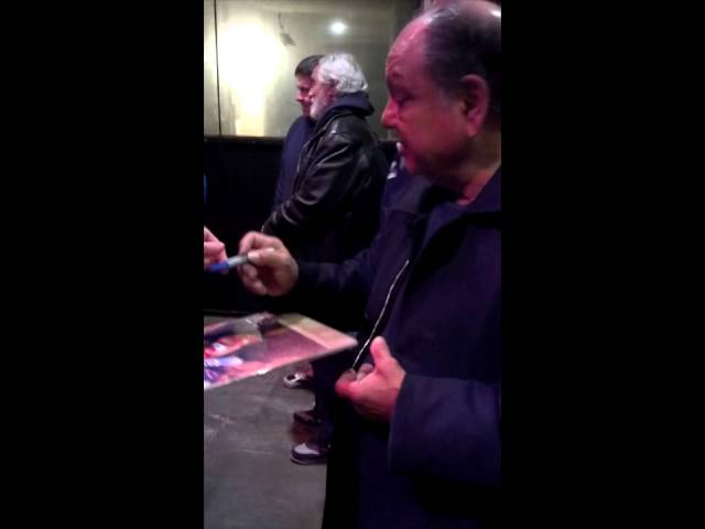 Cheech and Chong Signing Autographs in Detroit in 2013