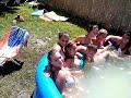 Szlovák csajok fürdenek a medencében 2013
