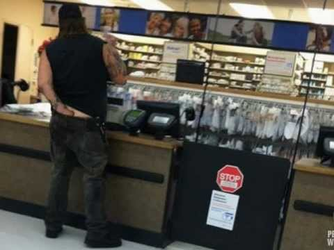 Funny And Weird People Shopping At Walmart