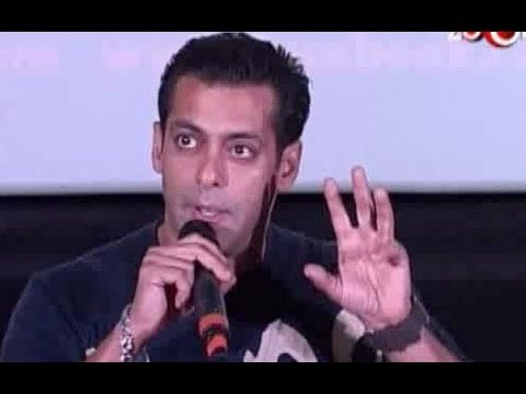 Salman Khan pulls Kareena Kapoor's leg, Anushka Sharma gets candid on zoOm, & more hot news...