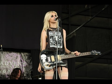 Taylor Momsen - Best Live Performances