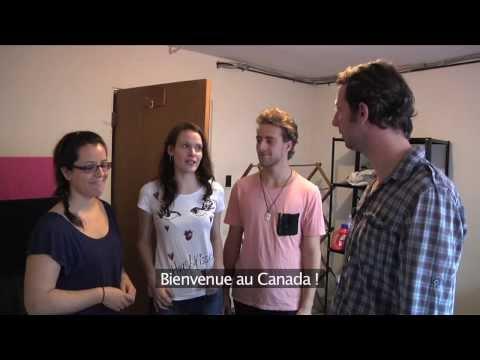 S01E02 - Et voici les colocs !  Meet the roomies!