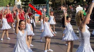 My Daughter DANCING in the DISNEY PARADE!!