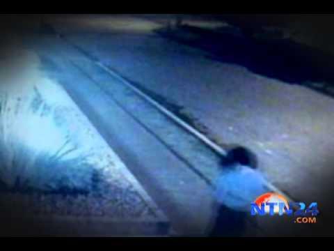 Tres cámaras de seguridad registran la desaparición de una mujer en el aire