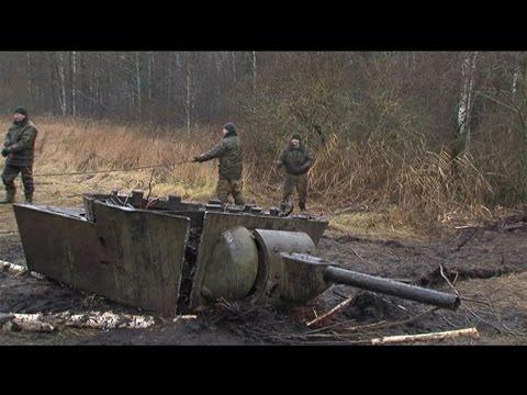 В Витебской области из болота извлекли уникальный танк КВ-1