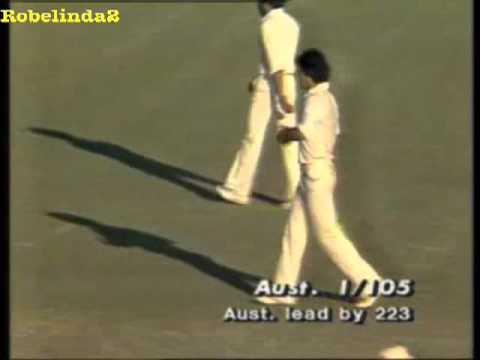 Magical Imran Khan YORKER OF DEATH - 1981 vs Australia
