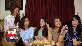 5 Wanita yang Ditangkap Bersama Pretty Asmara Dibebaskan - Hot Shot 22 Juli 2017