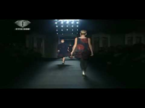 Moschino Fall Winter 2009/10 Full Show Part 1 Video