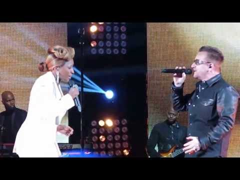 Robin Hood Benefit 2013 - Mary J. Blige ft. Bono - Moment of Surrender