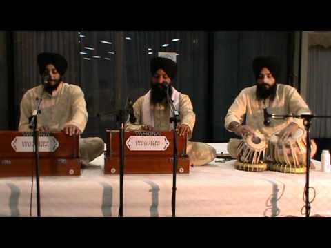 Bhai Satwinder Singh Ji - Vin Bolya Sab Kich Janda video