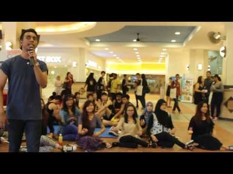 Ngee Ann Polytechnic Malay Cultural Club Flashmob atrium video