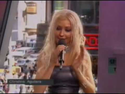 Christina Aguilera - Interview TRL (04-06-2000)